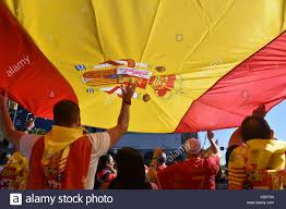 Spainish Flag Barcelona Spain 8th Oct 2017 Protesters Hold A Giant Spanish