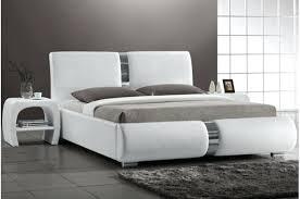 chambres a coucher pas cher chambre a coucher blanc design excellent chambre coucher moderne