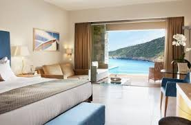 chambre piscine chambres suites en crète daios cove luxury resort