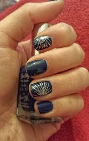 cele mai bune 25 de idei despre new years nail designs pe
