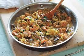 cuisiner simple et rapide pâtes aux crevettes et chignons recette rapide cuisine culinaire