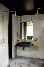Antique Brass Bathroom Light Fixtures by Best 25 Brass Bathroom Ideas On Pinterest Brass Bathroom