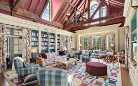 Hillary Clintons House This 17 9 Million Chappaqua Property Sits On 86 Lakefront Acres