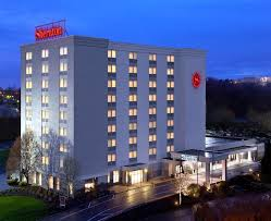 Airport Hotels Become More Than A Convenient Pit Hotel Sheraton Pittsburgh Airpt Coraopolis Pa Booking Com