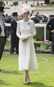 the duchess of cambridge wears philosophy di lorenzo serafini for
