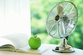 fan that uses ice to cool genius uses for ice cubes reader s digest