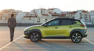 kia stonic gets 2 500 orders hyundai kona gets 7 100 bookings