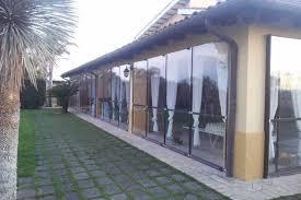verande in plastica pannelli scorrevoli in pvc tende verticali per chiusura terrazzi
