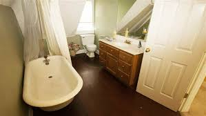 Bathroom Looks Mid Century Modern Bathroom Looks Amazing After A Makeover Today Com