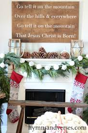 farmhouse christmas decorating ideas christinas adventures