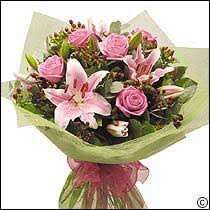 sunday flower delivery mothers day flowers information mothers day flower delivery uk