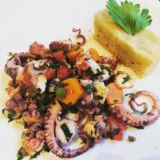 cuisiner du poulpe salade de poulpe pommes de terre cuisine calamar encornet