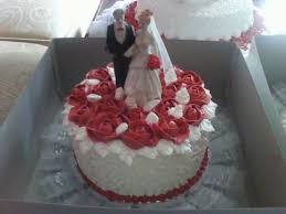 wedding cake sederhana yasmine cakes by nenis white maroon wedding cakes