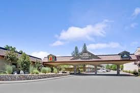 Barnes Noble Reno Nv Super 8 Meadow Wood Courtyard Reno Hotels Nv 89502