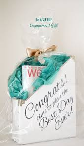 Gifts To Give At A Bridal Shower Best 25 Engagement Gifts Ideas On Pinterest Cool Wedding Gifts