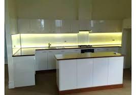 bande led cuisine led pour meuble de cuisine ruban led cuisine ole rouleau led est