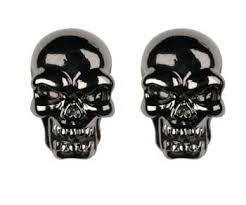 skull stud earrings skull stud earrings pewter 0 5 height