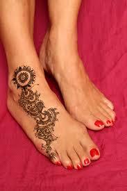 small heart foot tattoos mhendi henna tattoo tattoos pinterest hennas tattoo and