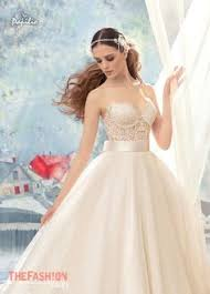 Wedding Dress Cast Simplicity Of Lines Ideal Cut Expensive Fabrics Made Of Natural