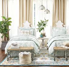 bedroom decorating ideas how to decorate soft and similar tones
