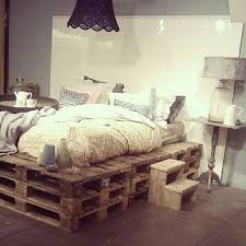 How To Make A Box Bed Frame 9 Ways To Create Bed Frames Out Of Used Pallet Wood Pallet