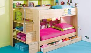 chambre enfant lit superposé aménager une chambre pour trois enfants lits superposés enfants