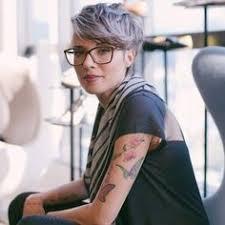 Kurzhaarfrisuren Und Brille by Trägst Du Eine Brille 14 Kurzhaarfrisuren Für Frauen Die Eine