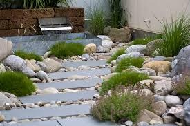Gartengestaltung Mit Steinen Und Grsern Modern Gartengestaltung Mit Natursteinen Und Holz U2013 Gartens Max
