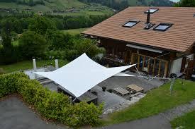sonnensegel befestigung balkon sonnensegel bühler textile lösungen thun
