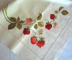 Best Embroidered Tablecloths Images On Pinterest Vintage - Table cloth design