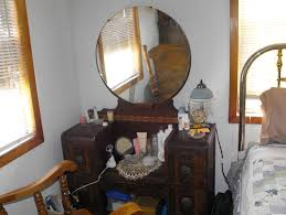 Antique Vanity With Mirror Antique Makeup Vanity With Round Mirror Home Design Ideas