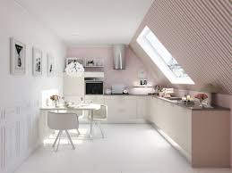 cuisine sous pente cuisine 10 idées d implantations originales combles cave et
