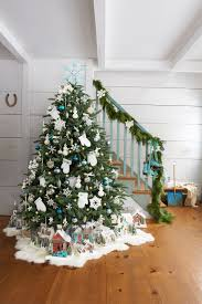 decorating ideas for white trees black