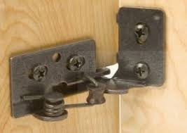 need help finding a particular style of kitchen cabinet door hinge