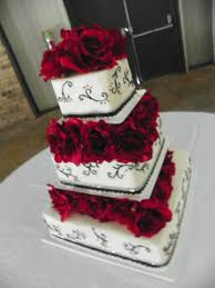 3 tier wedding cake with columns between the layers wedding