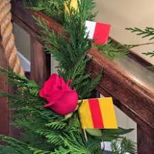 Banister Christmas Garland Photos Hgtv