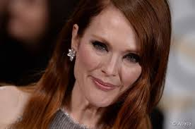 julie ann moore s hair color golden globes 2015 julianne moore s wavy hairstyle