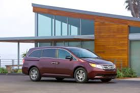 2013 nissan quest canada canadian black book hands out 2017 best retained value awards