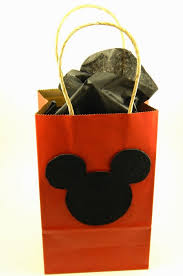 mickey mouse gift bags diy mickey and minnie mouse gift bags this ole