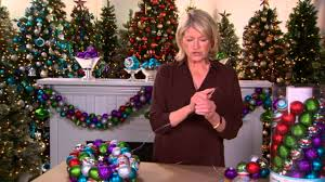 how to create an ornament garland