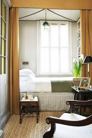 Decorating A Small Bedroom - best 25 cozy small bedrooms ideas on pinterest natural