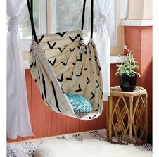 inexpensive diy home decor creative home decorating ideas on a budget diy hammock chair diy