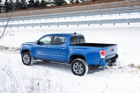 Tacoma Bed Width 2016 Toyota Tacoma First Look