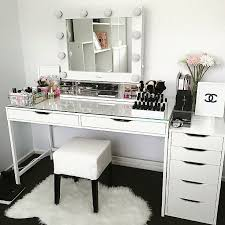 Small Makeup Desk Makeup Desk Vanity Damescaucus