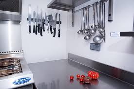 cuisine pro revetement et agencement mural et plafond pour cuisine