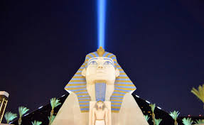 Luxor Vegas Buffet by Five Awesome Things To Do In Las Vegas That Don U0027t Involve Gambling