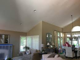 should ceiling be painted same color as walls