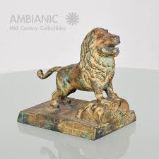 lion bookends world class regency cast iron lion bookends with faux