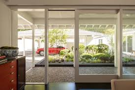 Mid Century Window Trim Jonah Hill U0027s Jumpin U0027 Off This Street