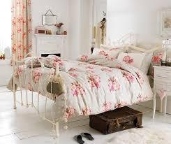 deco chambre shabby 8 idées de décoration shabby chic moderne et romantique